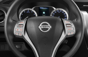 Car_Fast_Nazareth_Black_Nissan_NP300_Frontier_2016_F25