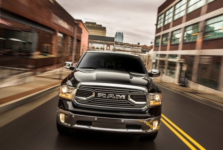 Dodge-Ram_1500_Laramie_Limited_2015fotos1