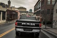 Dodge-Ram_1500_Laramie_Limited_2015fotos1w