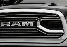 Dodge-Ram_1500_Laramie_Limited_2016 5