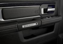 Dodge-Ram_1500_Laramie_Limited_2016 interior1