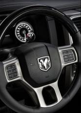 Dodge-Ram_1500_Laramie_Limited_2016 volante
