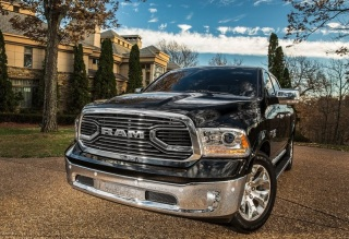 Dodge-Ram_1500_Laramie_Limited_2016fotos11
