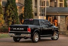 Dodge-Ram_1500_Laramie_Limited_2016fotos1ok